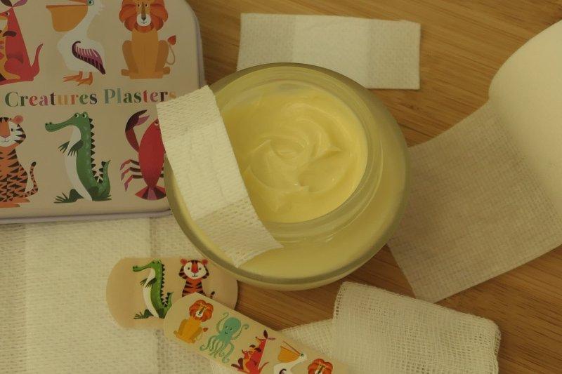 jak zrobić regeneracyjny krem do rąk na wosku pszczelim