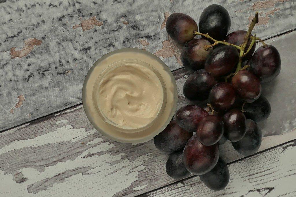 przeciwzmarszczkowy winogronowy krem do twarzy na Olivemie
