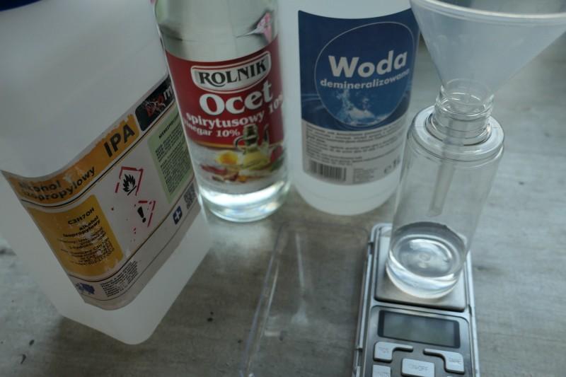 składniki na uniwersalny spray czyszczący