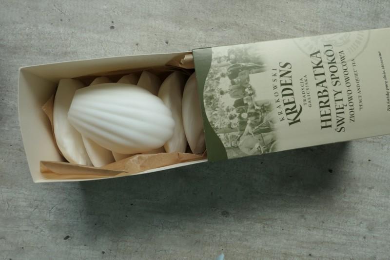 małe mydełka muszelki kokosowe do zapierania plam z tkanin