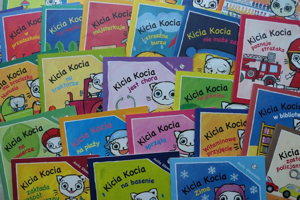 seria książeczek dla małych dzieci kicia kocia